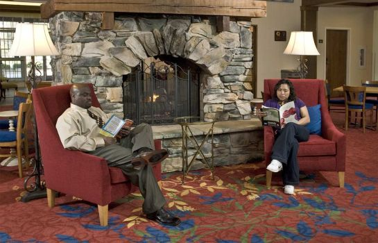 Hotelhalle Hampton Inn - Suites Raleigh-Cary I-40 -PNC Arena- NC