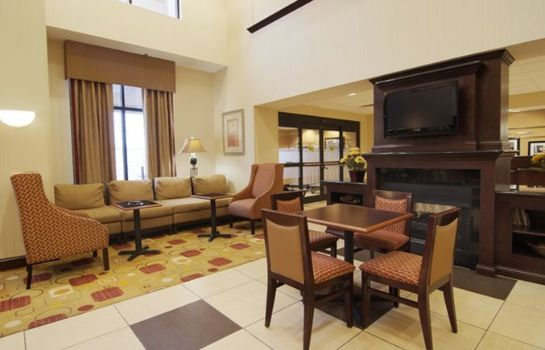 Hotelhalle Hampton Inn - Suites-Knoxville-North I-75