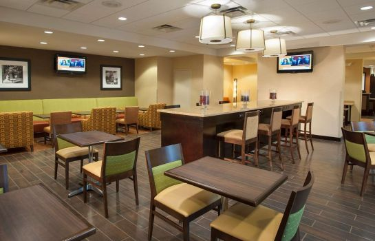 Restaurant Hampton Inn Wash-Dulles Intl Airport South