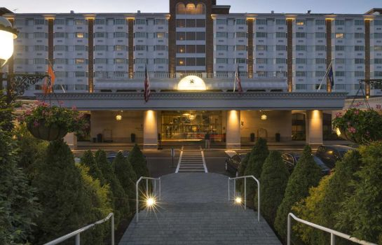 Buitenaanzicht The Garden City Hotel LVX
