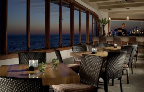 Hotel bar Surf and Sand Resort LVX