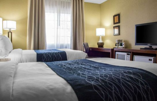 Room Comfort Inn & Suites at Talavi