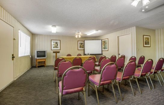 Conference room TRAVELODGE BY WYNDHAM PALM SPRINGS