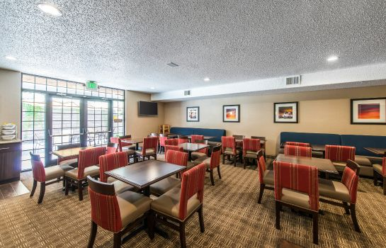 Restaurant Comfort Suites Golden West on Evergreen Parkway