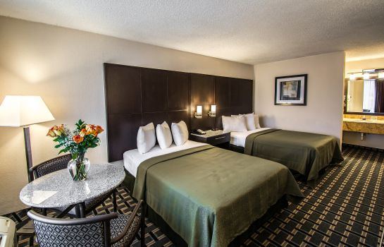 Camera Quality Inn & Suites Sebring North