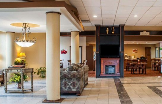 Lobby Quality Inn Airport