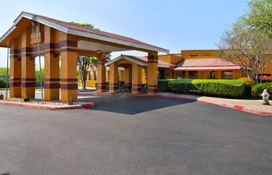 Außenansicht HOWARD JOHNSON INN & SUITES SA