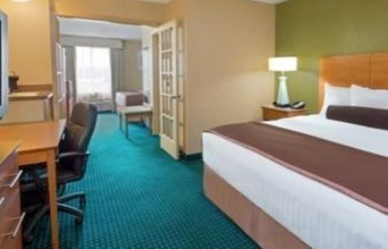 Suite HOWARD JOHNSON INN & SUITES SA