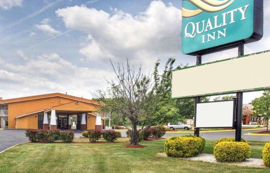 Außenansicht Quality Inn Fredericksburg near Historic Downtown