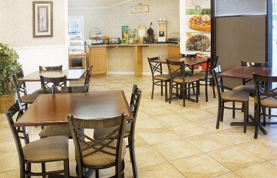 Restauracja Quality Inn Fredericksburg near Historic