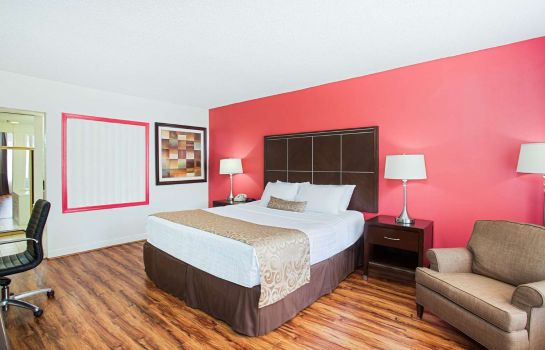 Suite RAMADA BY WYNDHAM BURBANK AIRP