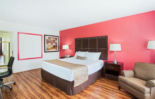 Suite Ramada by Wyndham Burbank Airport