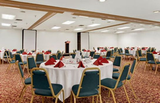 Conference room RAMADA BY WYNDHAM BURBANK AIRP