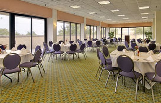 Conference room Ramada Lake Shore