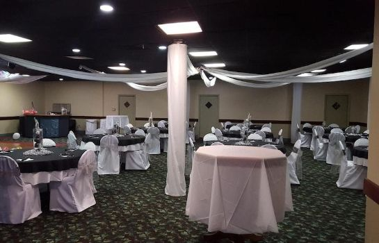Sala da ballo River Valley Inn and Suites