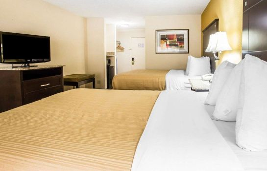 Doppelzimmer Komfort Quality Inn and Suites Airpark East