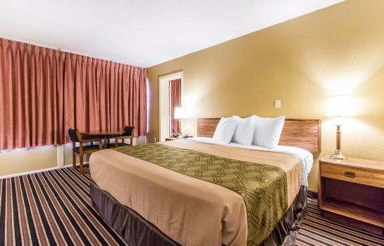 Suite Econo Lodge Inn & Suites Gilbertsville
