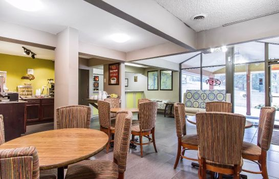 Info Econo Lodge Inn and Suites Gilbertsville