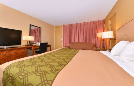 Zimmer Econo Lodge Inn and Suites Gilbertsville