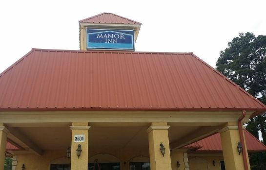 Exterior view Manor Inn