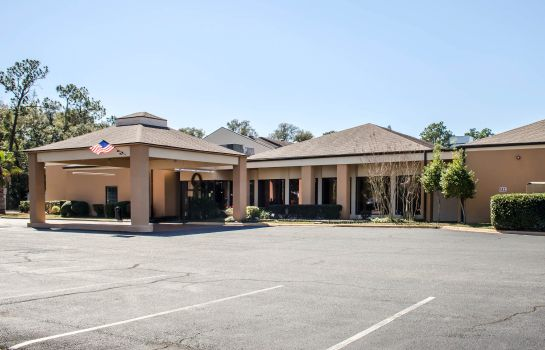 Exterior view Quality Inn & Suites Pensacola Bayview