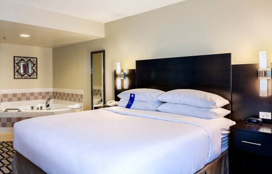 Room Delta Hotels Fargo