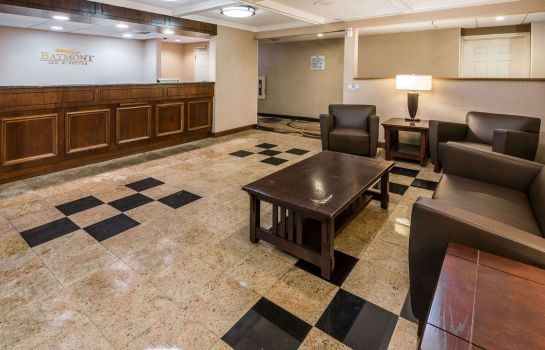 Hall BAYMONT INN & SUITES BRANFORD