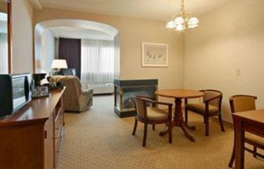 Suite Clarion Inn - Airport University