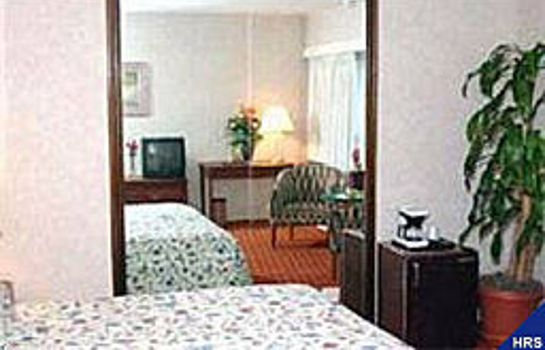 Zimmer Ramada Plaza Hotel JFK International Airport