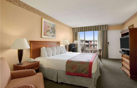 Zimmer RAMADA HOLLYWOOD DOWNTOWN