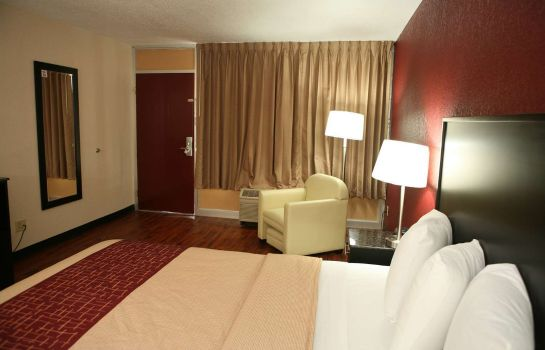 Zimmer Red Roof Inn & Suites Cave City