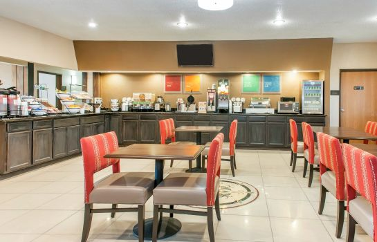 Restaurant Comfort Inn Warren