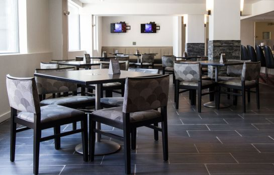Restaurant Holiday Inn VICTORVILLE