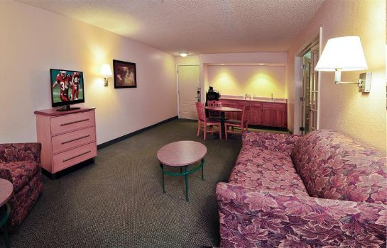 Room Red Roof Suites Pensacola East-Milton