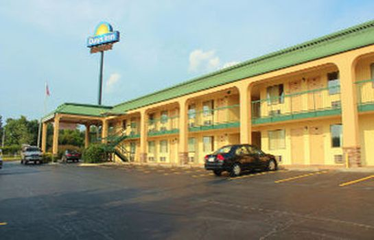 Exterior view DAYS INN MACON I-475