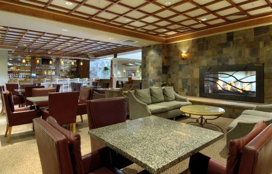 Hotel bar DoubleTree by Hilton Denver - Stapleton North