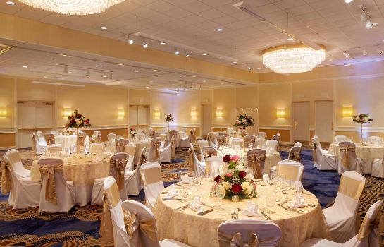 info DoubleTree by Hilton Boston-Andover