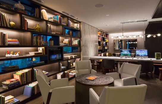 Hotel bar Hyatt Centric Chicago Magnificent Mile