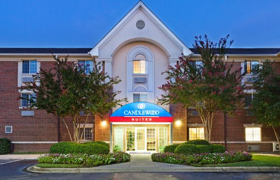 Exterior view Candlewood Suites CHARLOTTE-UNIVERSITY