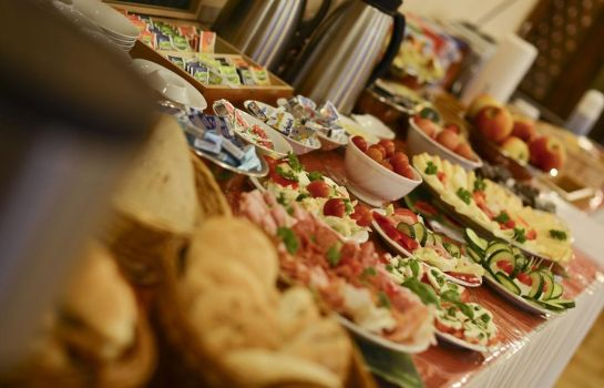 Breakfast buffet Paradies