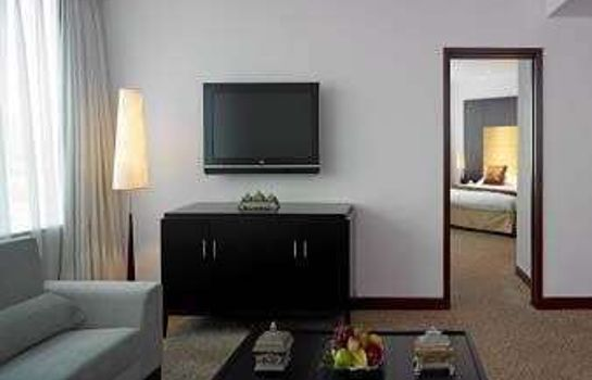 Suite The Howard Johnson Paragon Hotel
