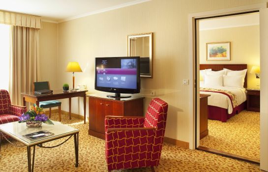 Suite Paris Marriott Charles de Gaulle Airport Hotel