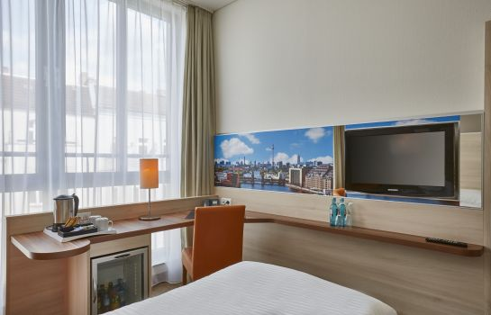 Junior Suite H+ Hotel Berlin Mitte