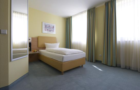 Single room (superior) IntercityHotel