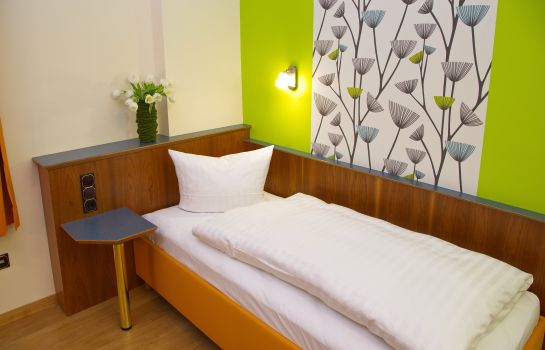 Single room (standard) Altstadthotel & Stadtcafé