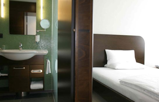 Room Corbin Feng Shui Business Hotel by Libertas