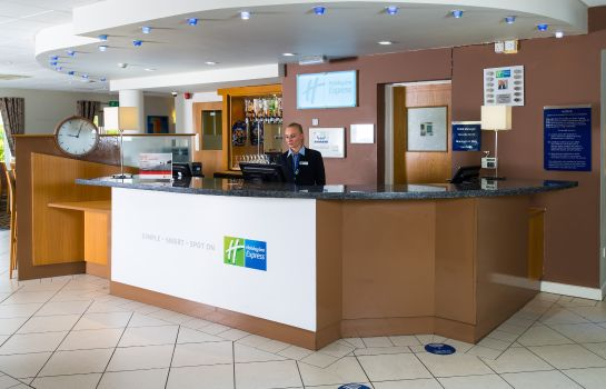 Vestíbulo del hotel Holiday Inn Express MANCHESTER - EAST