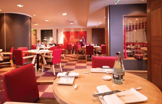 Restaurante JCT.4 Holiday Inn LONDON - HEATHROW M4