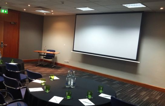 Sala de reuniones JCT.4 Holiday Inn LONDON - HEATHROW M4