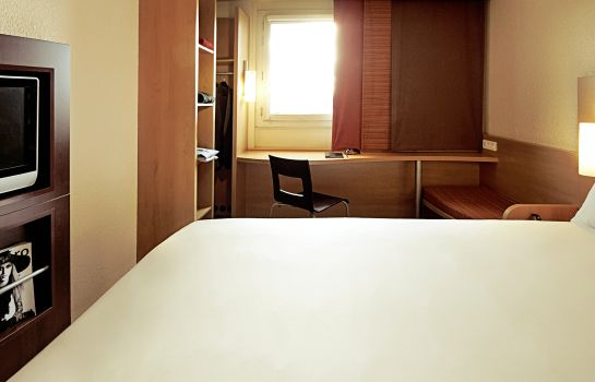 Standard room ibis Brussels Waterloo